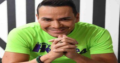 Víctor Manuelle crea proyecto para continuar luchando contra el alzhéimer